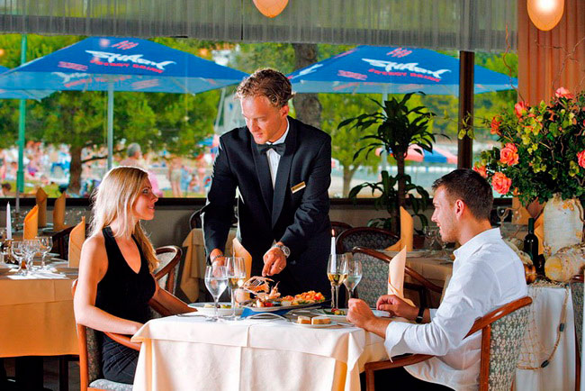Диалог в ресторане или кафе на испанском языке